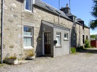 CRAIGVIEW COTTAGE, family friendly in Grantown-On-Spey, Ref 1771