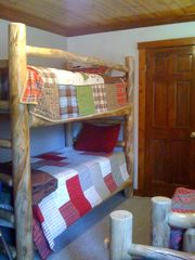 Black Hawk cabin photo - Kids Room with Bunk Beds and 2 Single Beds