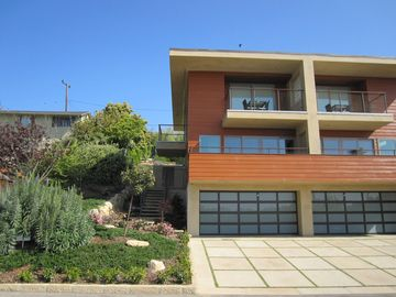 Summerland townhome rental - Front view of the Unit B.