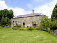 THE COACH HOUSE, pet friendly, with a garden in Gilwern, Ref 2553