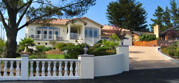 Cambria house rental - The Ocean View Gatsby House