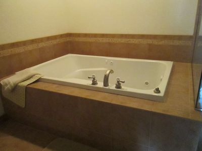 Bath tub in Master Bathroom