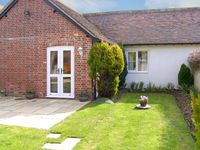 GRIST MILL COTTAGE, pet friendly in Fontmell Magna, Ref 6917
