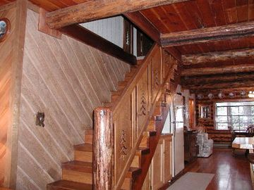 Stairs to Upper Bedrooms - Stairs to Upper Bedrooms