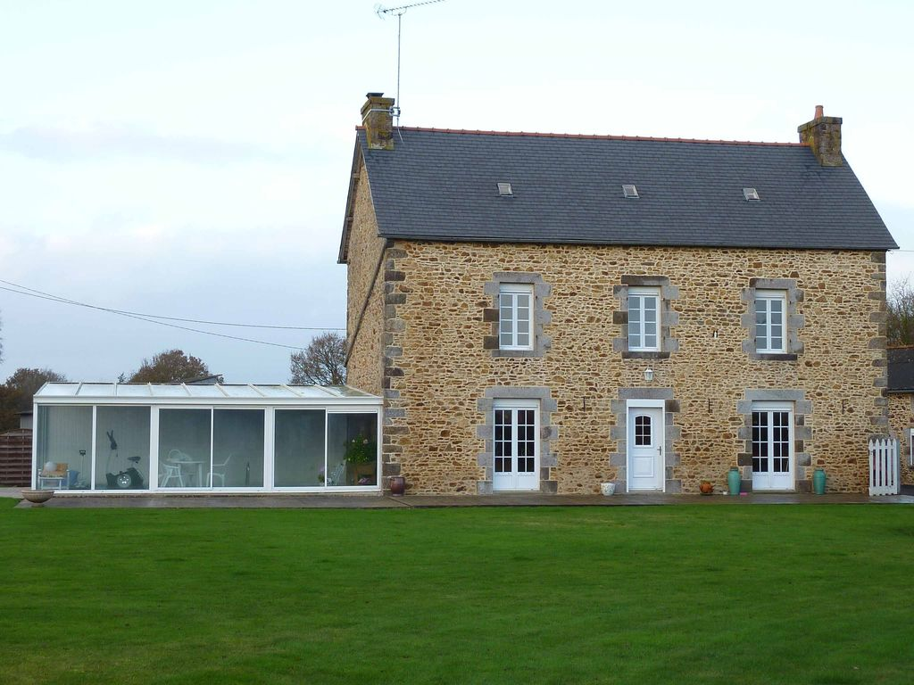 Peaceful house, with terrace , Plélo, Brittany