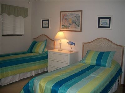 Emerald Isle condo rental - Guest Bedroom