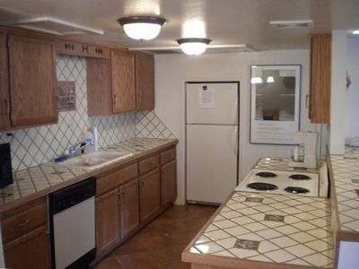 Fully equipped kitchen with dishwasher and microwave