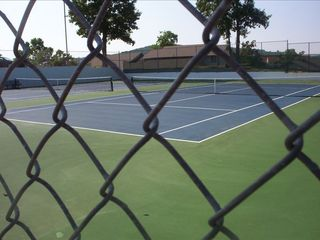 Branson condo photo - tennis courts