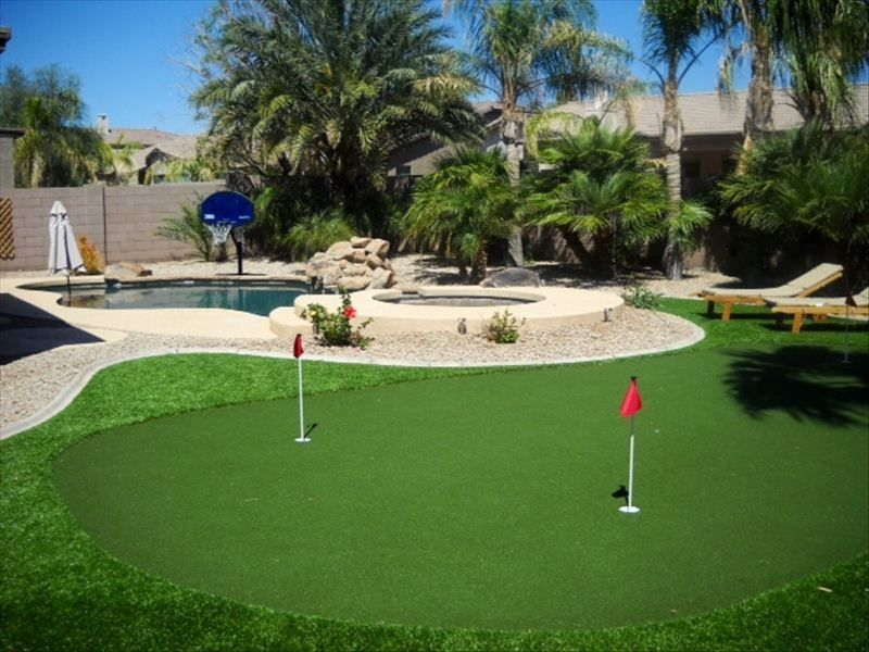 family and golf friendly putting green pool vrbo