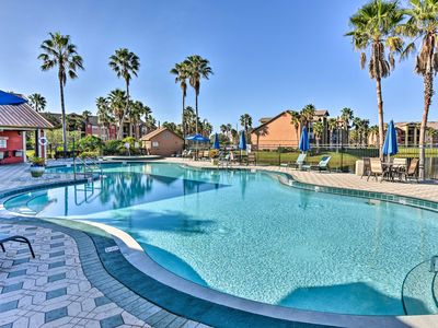 NEW! 2BR Kissimmee Condo 9 Miles to Disney World!