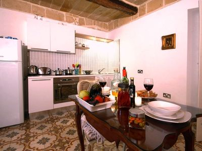 Valletta apartment rental - San Pawl suite smart modern kitchen
