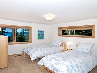 Tahoe City house photo - Extra-long twin beds