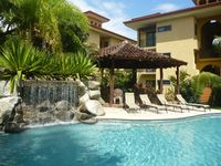 Tranquility in Paradise: Affordable Family Retreat in Paradise Awaits you!