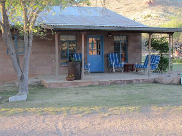 Willcox studio rental - front of guest house