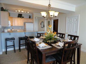 Fantastic Dining area - seating for everyone