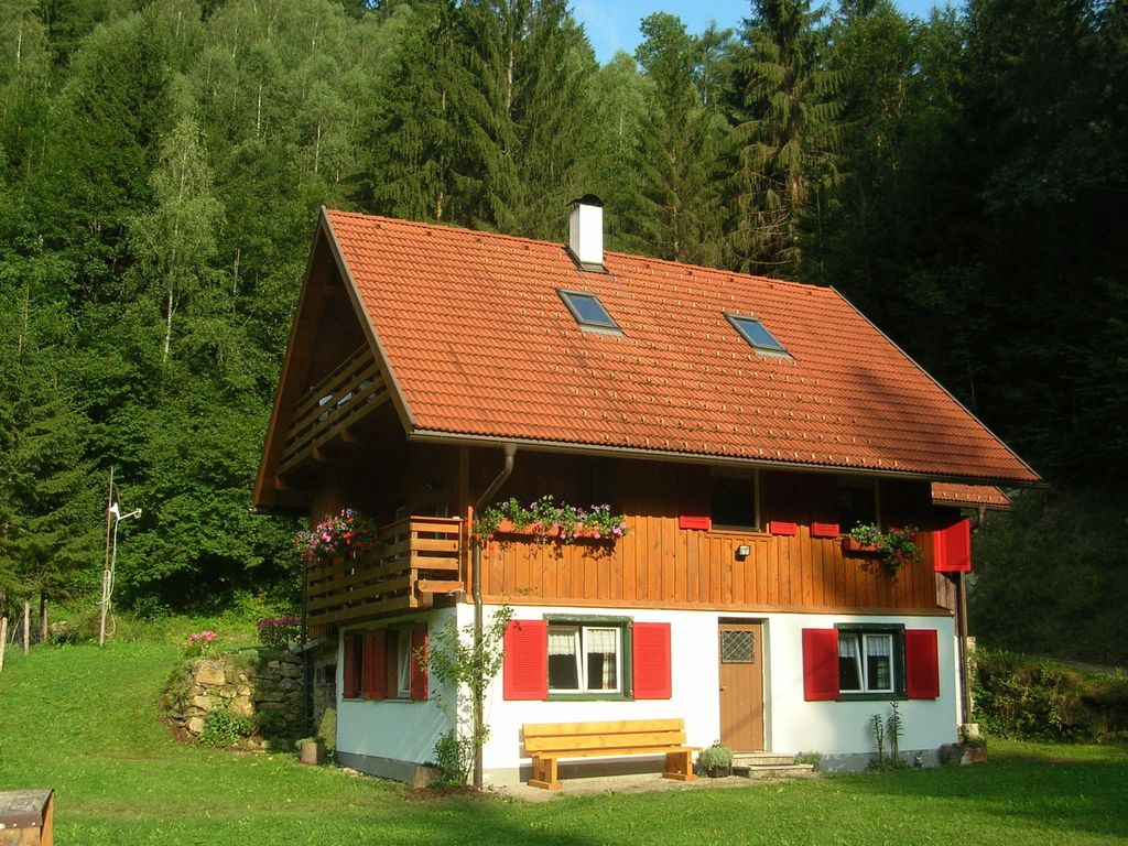 House with garden,  recommended by travellers !