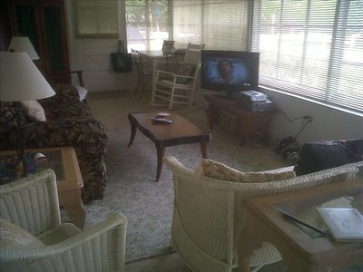 Flat Screen TV with Cable on Sun Porch!