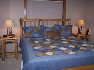 Sunriver house photo - Suite #6: Elk Crossing -- King Bed with Private Bath