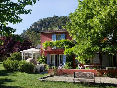 Provencal, beautiful restored farmhouse for up to 10 people, with stunning views