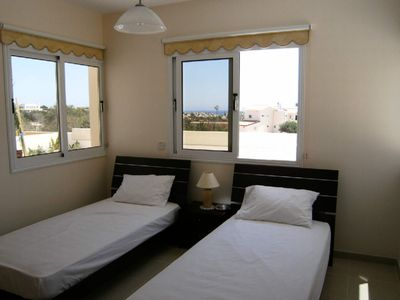 Villa Nishita twin bedroom with wheelchair access