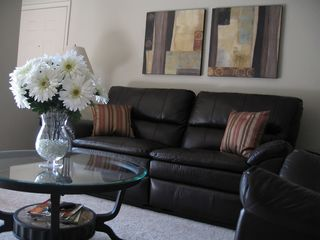 Scottsdale condo photo - Leather reclining sofa & chair