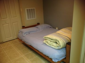 Separate Sitting/Sleeping area between Den and 3rd bedroom; Queen Futon