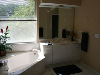 Vacation Homes in Marco Island house rental - Master Bathroom
