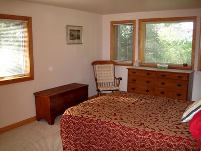 North Conway estate rental - West bedrooms all have mountain views