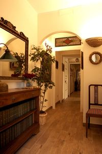 Villa Borghese & Parioli area apartment rental - The Hall