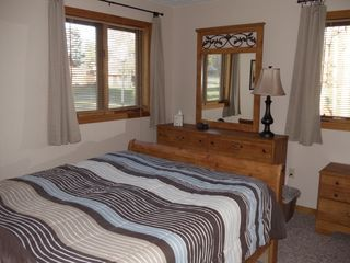 Woodstock townhome photo - Bedroom w/ queen bed