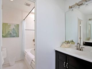Mission Beach house photo - Master bathroom with heated spa tub.