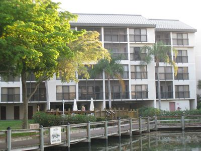 Fort Myers townhome rental - Two gas grills on the deck behind the building