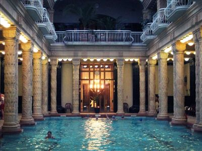 Walk to the thermal therapeutic waters at the Gellert Spa in 15 minutes.