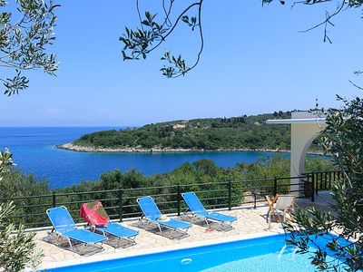 Villa Lioniskari with 3 bedrooms and amazing views