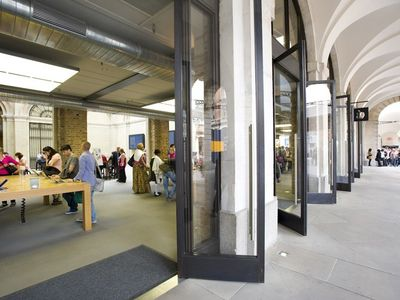 Largest Apple shop in the world