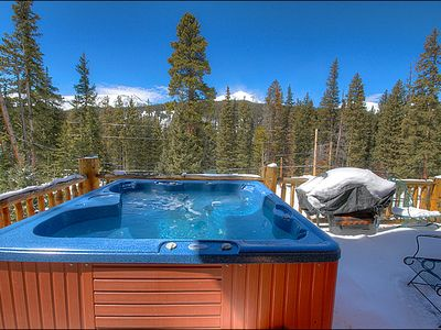 Private Hot Tub Perfect for an Evening Soak