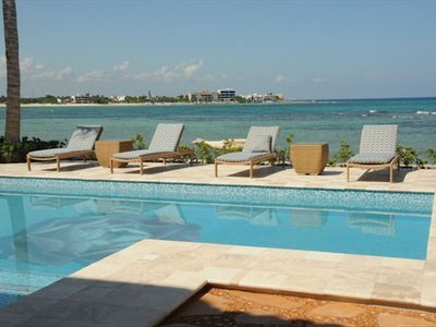 Pool and Akumal's Half Moon Bay beyond.