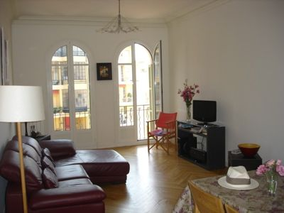 Sunny apartment located in the heart of the city
