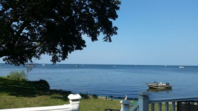 Easy Breezy Living - Lakefront Cottage Directly on Lake Ontario