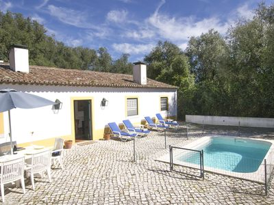 Villa for 6, w/ swimming pool and stunning views to The Palace of Pena