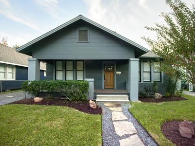 Adorable Bungalow in the Heights