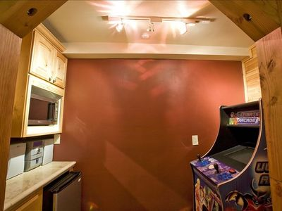Bonus mini-kitchen off of Gameroom.