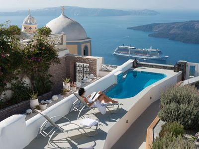Charming Traditional Guest Houses & Villa In Fira, Santorini, Ideal For Families