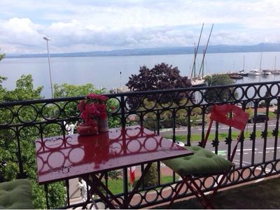 Nice 2 rooms Facing Lake Geneva with long balcony