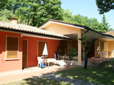 Detached bungalow with private terrace and communal swimming pool, near Lake Garda
