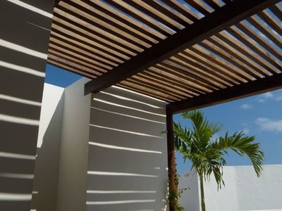 Choose the sun or the shade on your roof top terrace.