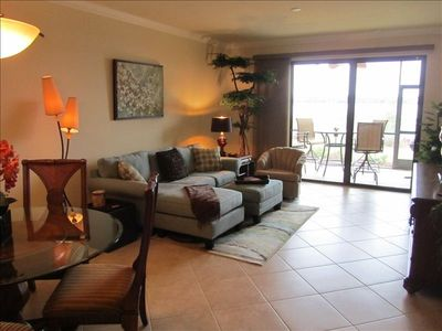 "Heritage Bay condo rental - Living room and den both have 42"" LED HDTVs with Blue-Ray/DVD/CD player"