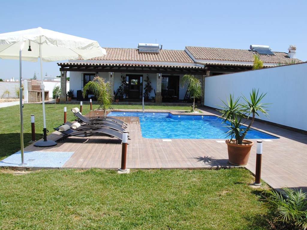 Holiday House With Large Swimming Pool With Vrbo