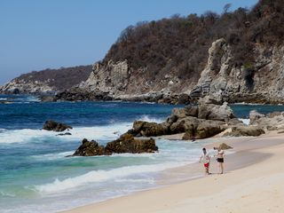 Huatulco villa photo - Take a stroll along the beautiful beach!