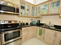 50% discount seeking 5 star reviews! Remodeled condo close to the beach in Jaco.